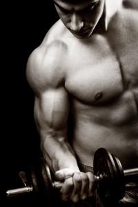 男性の細マッチョという体型のイメージ画像